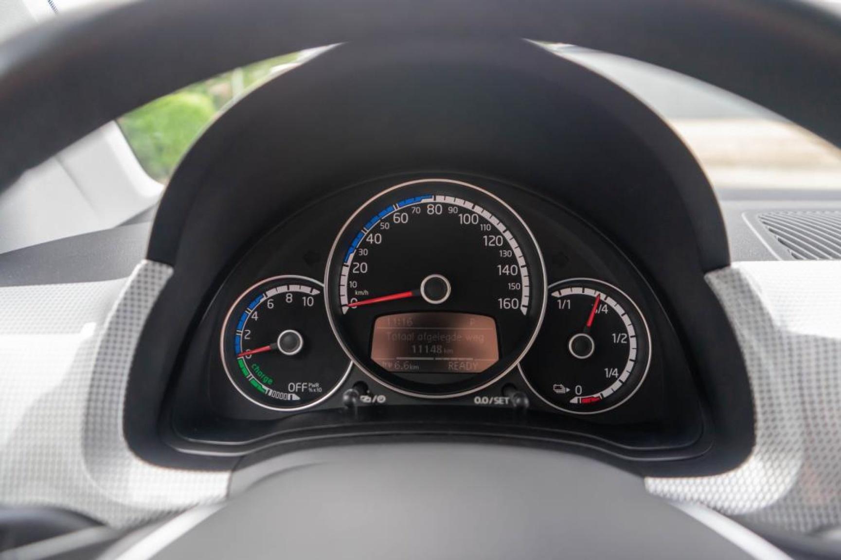 Volkswagen-e-Up!-7